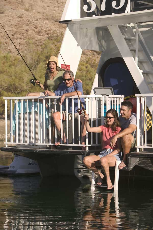 Houseboating with Forever Resorts, the Perfect Anytime Couples Vacation