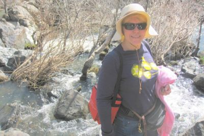 A Romantic Spring Hike in the Sierra Foothills