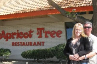 Apricot Tree on California's I-5 is a Hip, Retro Diner